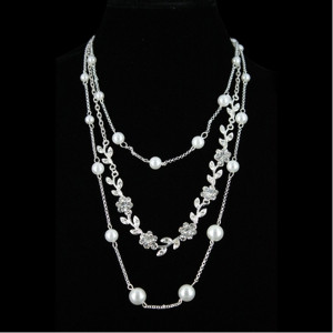 Pearly Floral 3 Strands 1 Piece Necklace